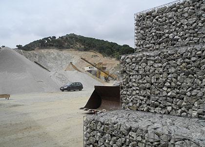 Suministro de aridos en Barcelona por Obres y excavacions Escala