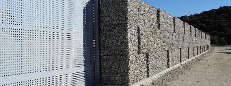 Gabions compactats realiados per obres i excavacions Escala a Capellades, Barcelona